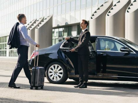Considering Traffic in Airport Transfer Service